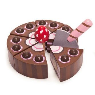 Chokolade fødselsdagskage i træ, legemad fra Le Toy Van leveret hurtigt af Legetøj Online