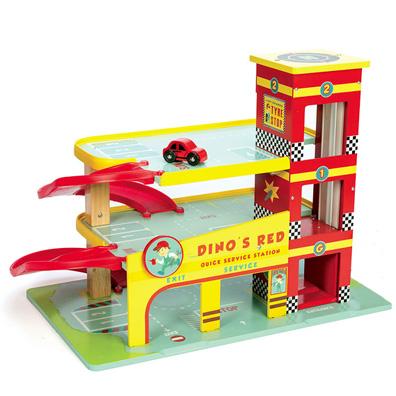 Dinos garage er i hele 3 etager