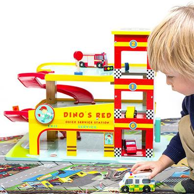 Dinos Red legetøjs garage i træ fra Le Toy Van