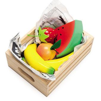 Frugtkasse med legemad til legekøkkenet