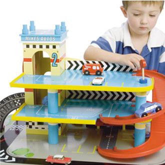Mikes Auto Garage er populær på alle værelser hvor Legetøj Online har sendt den hen