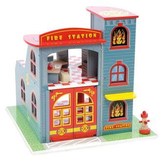 Brandstationen fra Le Toy Van er legetøj af høj kvalitet