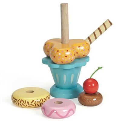 Detajle af sundae isen fra Le Toy Van, legemad i træ når det er bedst