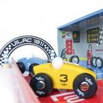 Flotte detaljer af Vilac garagen med racerbanen